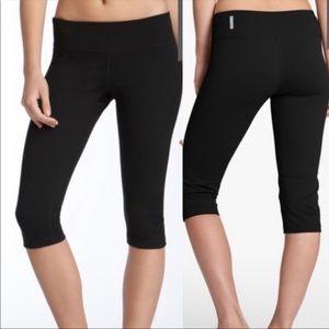 Zella Capri Leggings Black Medium